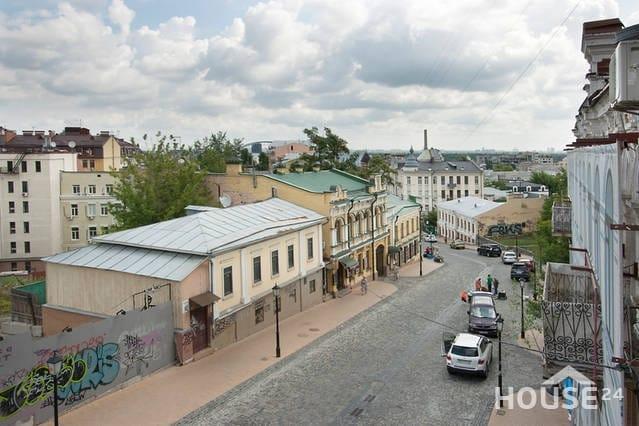 Большая квартира для деловых людей центр Киева, Подол,, Киев, Андреевский спуск, 11 - фото 2